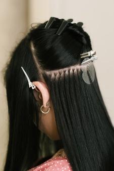 Comment poser des extensions de cheveux à froid ?